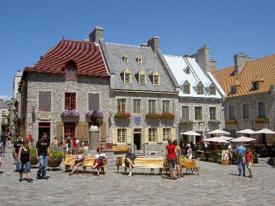 Place Royale on a sunny summer day