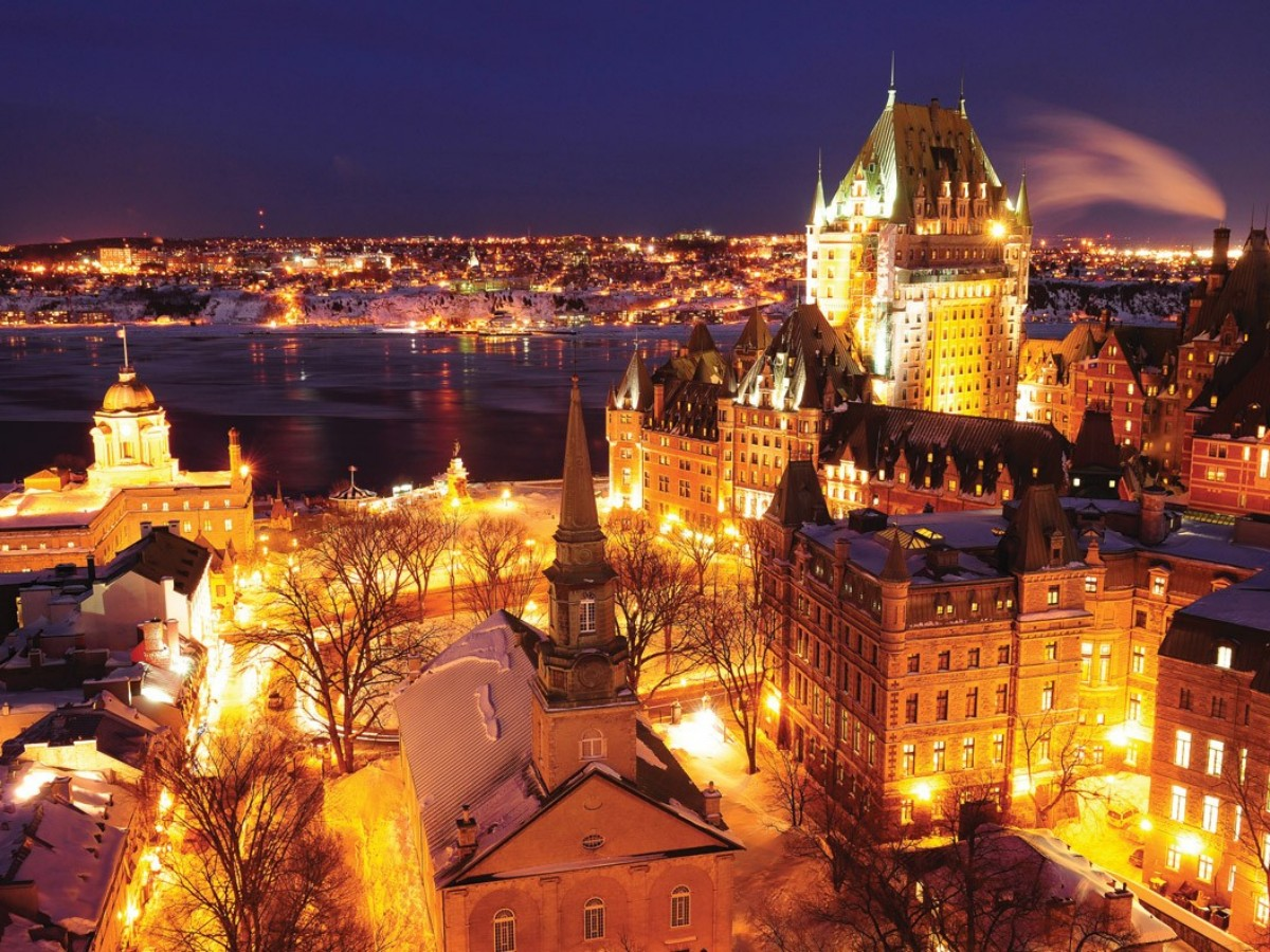 OLd Quebec at night